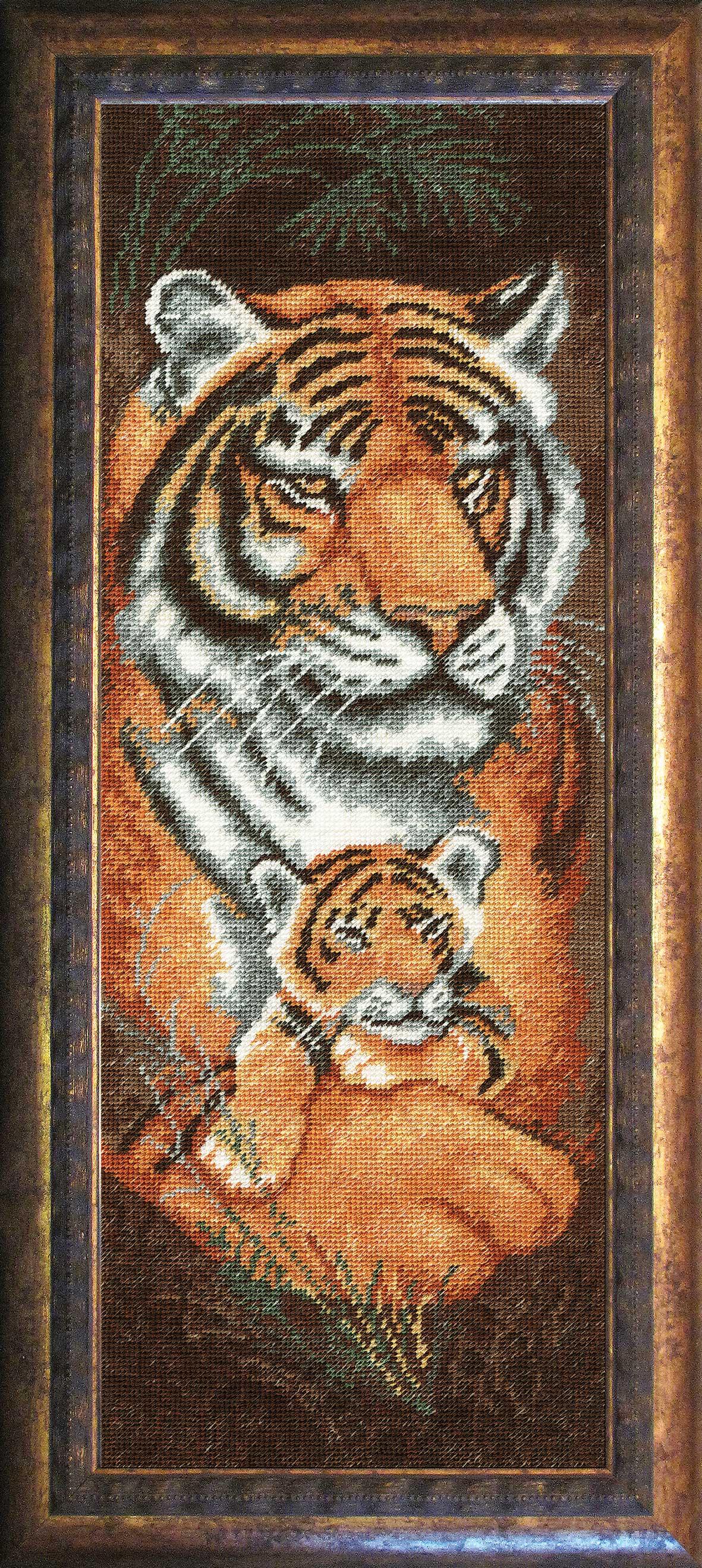 Вышивка крестом тигрица с тигрятами